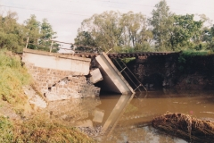 zborcený most u Suchdolu nad Odrou 13.7.1997 - foto Mojmír Leštinský