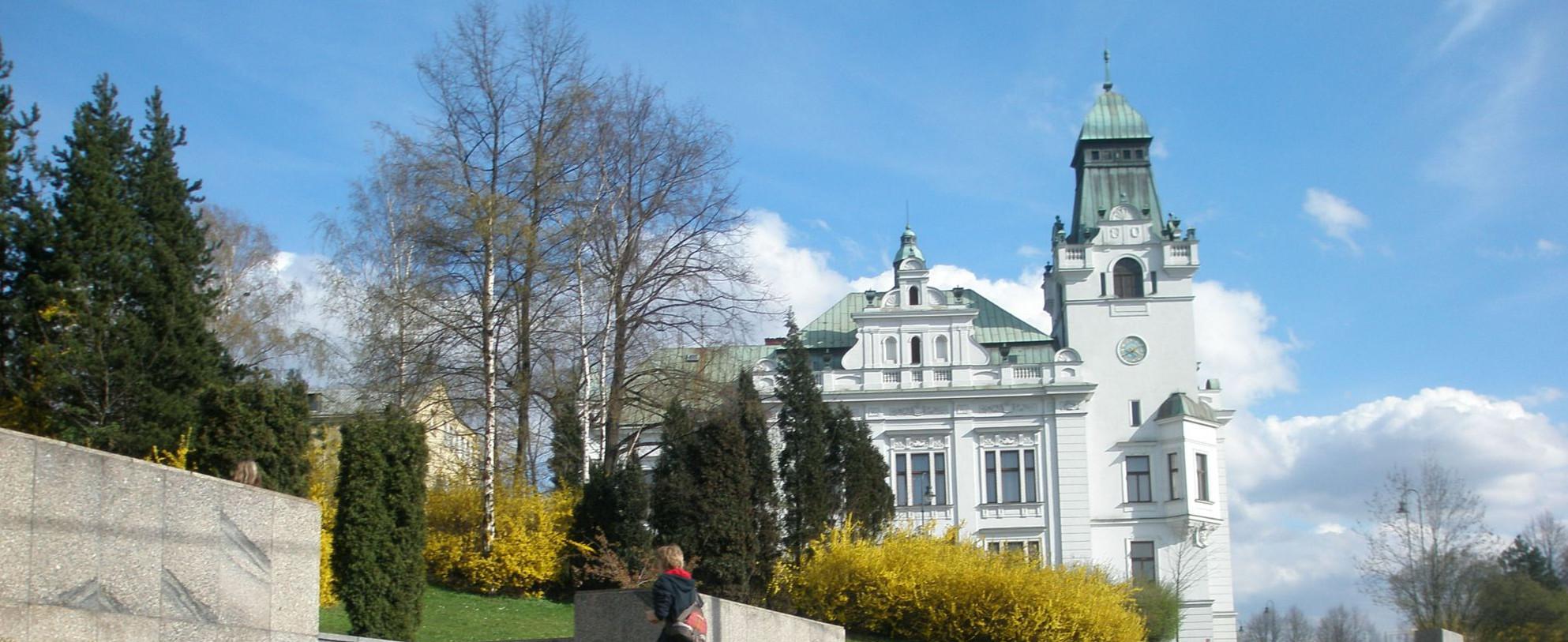 Sedm zastavení při putování minulostí i současností Slezské Ostravy.