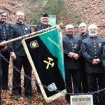 Hornicko-historický spolek pod Ralskem  usiluje o umístění hornických kladívek  do znaku města Stráže pod Ralskem